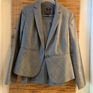 Awesome lined Ann Taylor suit